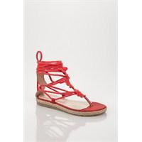 Bodrum'un Sandalet Modası Derimod Trendlerinde