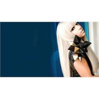 Yeni Versace Yüzü: Lady Gaga