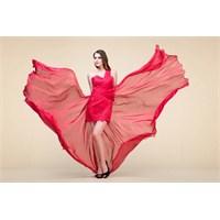 Uçuşan Romantik Elbiseler