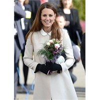 Kate Middleton: Goat Manto Ve Topshop Elbise