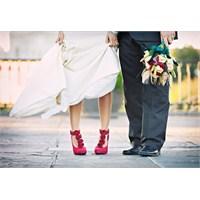Rengarenk Ayakkabılar ve Gelinlik!