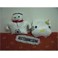 Futbolcu Ve Hello Kitty Yastıklar (Açıklamalı)