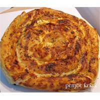 Kıymalı Ispanaklı Kol Böreği