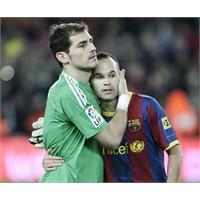 Casillas Veya İniesta Sizden İmza İstese?