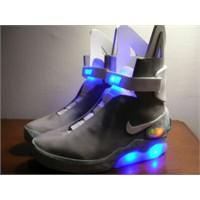 """""""Geleceğe Dönüş"""" Ayakkabısı Gerçek Mi Oluyor?"""