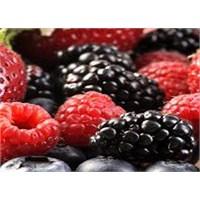 Sağlığınız İçin Kırmızı Meyve Tüketin