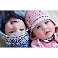 Erkek Bebeklerin Giysileri Neden Mavidir