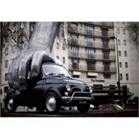 Fiat 500 Londra'da Heykel Oldu!
