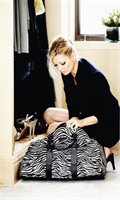 Kate Moss Tasarımı Çantalar Moda Kapısında