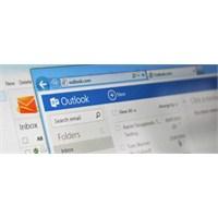Hotmail Yerine Outlook.Com Geçecek !!