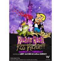 Richie Bu Salı Şans Öpücüğü Dağıtacak!
