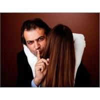 Bir Erkeğin Aldattığını Anlamanın 5 Yolu