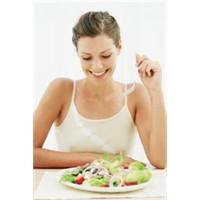 Bu Salata Sizi 5 Öğünle 7 Günde Zayıflatıyor