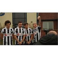 1d Hangi Takımın Futbol Antrenmanına Katıldı?