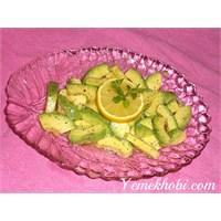 Kolay Avokado Salatası