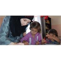 Suriyeli Çocuklar Çadır Kentlerde Okula Başladı