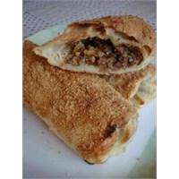 İçli Köfte Böreği