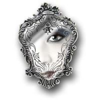 Ayna Ayna Söyle Bana!