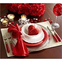 Sevgililer Günü Romantik Masa Dekorasyonları