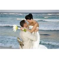 İşte Erkeklerin Evlilikten Korkmasının 10 Nedeni.