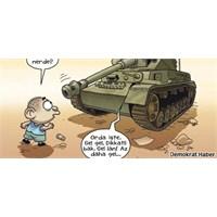 Penguen Mısır'daki 'demokrasi'yi Çizdi