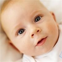 Erkek Bebeklerin Giysileri Niçin Mavi Renktedir
