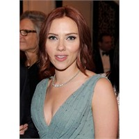 Scarlett Johansson-2011 Trendi Saç Rengi