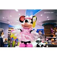 Şanzelize'de Disney Dünyasında Dolaşmak…