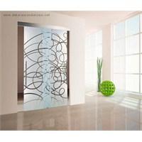 Dekoratif Cam Kapı Modelleri İle Evler Daha Şık