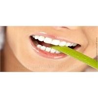 Depresyon Zamanla Dişleri Aşındırıyor!