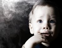Annesi Sigara İçen Bebeği Bakın Neler Bekliyor?