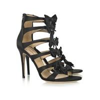 Yaz mevsiminin muhteşem ayakkabı modelleri