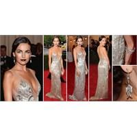 Ne Giymiş : 2012 Met Gala
