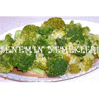 Özel Soslu Brokoli Salatası