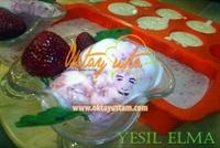 Çilek Soslu Diet Dondurma