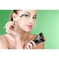 Makyaj Temizlemenin Önemi Ve İpuçları
