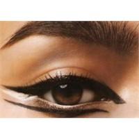 Eyeliner Sürmek Sanatır