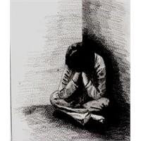 Yalnızlık Tek Kişiliktir!