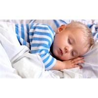 Çocuklar Yeteri Kadar Uyku Uyumalı