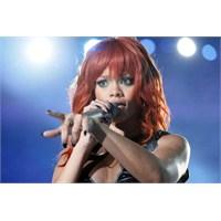 """Rihanna'dan Yeni Şarkı: """"Diamonds"""""""