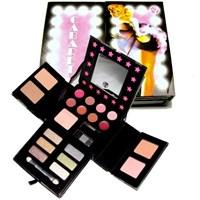 Jessica Simpson, W7 Cabaret Make Up Kit Alışverişi