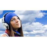 Kulaklıkla Müzik Dinlerken Sağır Olmayın...