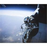 Uzaydan Atlayan Rekortmen...
