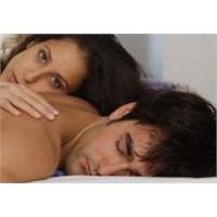Erkekler İlişkiden Sonra Neden Hemen Uyurlar?