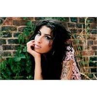 Cennete Uğurlanan Arızalı Melek: Amy Winhouse...