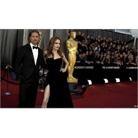 Angelina Jolie'nin Tercihi Buzlu Selülit Tedavisi