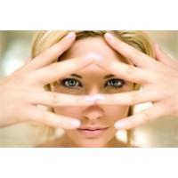 Makyaj Hataları Yaşlı Görünmenize Neden Olabilir