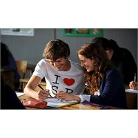 Okulda Gerçek Aşk Olur Mu ?