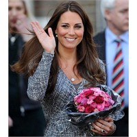 Kate Middleton: Max Mara Studio Elbise