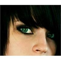 Yeşil Gözlüler Nasıl Makyaj Yapmalı?
